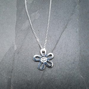 Floating Daisy Pendant